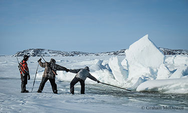 Inuit hunters