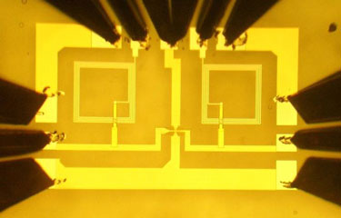 Photograph of the graphene integrated circuit
