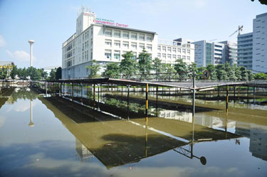Flood waters surround NANOTEC in Thailand