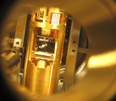 Photo of the scanning single-electron transistor microscope used to study graphene