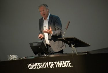 Plenary speaker: Dave Blank (photo: Eric Brinkhorst, COMS 2013)