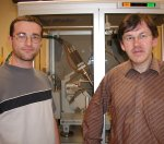 Bertrand Toudic (right), director of research at the CNRS and Flavien Aubert, PhD student at the University of Rennes.
