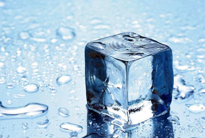 graphene sandwich squares away ice