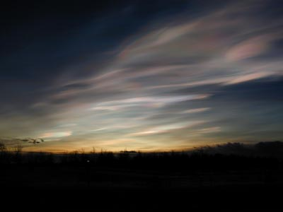 Polar stratospheric clouds: water vapour in the lower stratosphere plays an important role in climate change