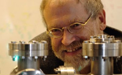 Anton Zeilinger shares the 2010 Wolf Prize in Physics