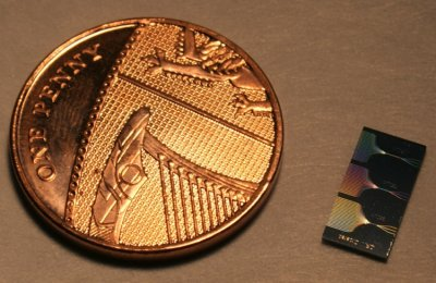 Photograph of the quantum walk chip