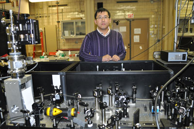Photo of Jigang Wang in the lab