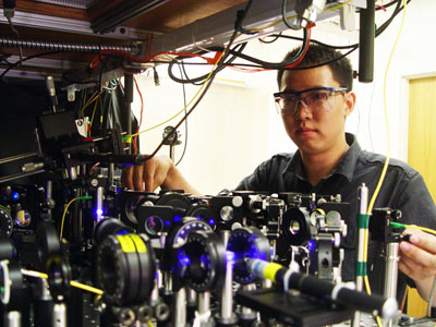 Photograph of the experiment used to created entanglement between a photon and an ensemble of atoms