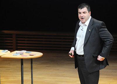 Konstantin Novoselov delivering a lecture in Stockholm