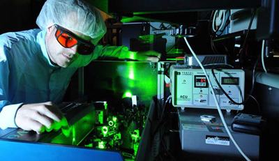 Photograph of a femtosecond laser at the Max Planck Institute of Quantum Optics
